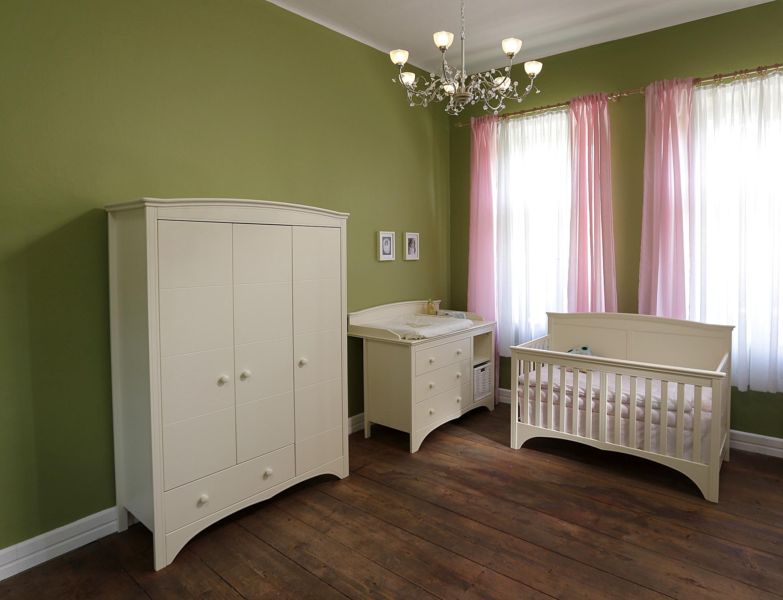 lip poljčane - otroška soba Elizabeth - satler okna in vrata